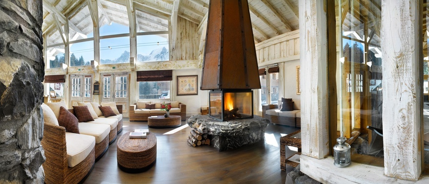 france_chamonix_hameau-de-la-pierre-blanche-apartments-(les-houches)_studio-reception.jpg